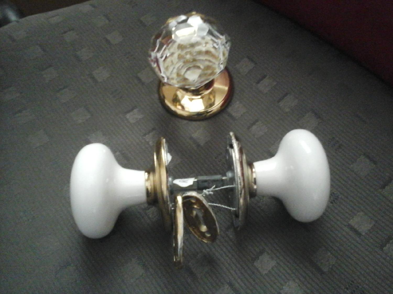 porcelain-door-knob