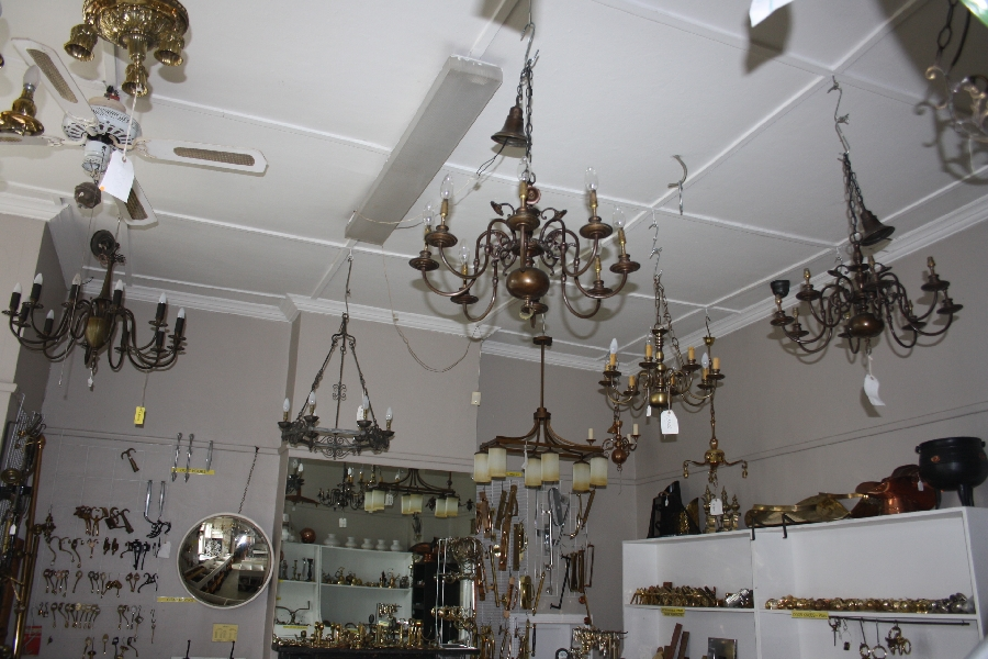 chandeliers-&amp-chandelier-fittings